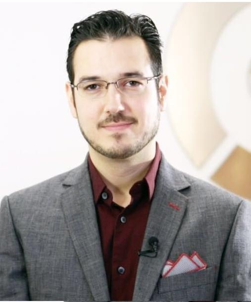 Dr. Rafael Moreno - Rinoplastia en Monterrey
